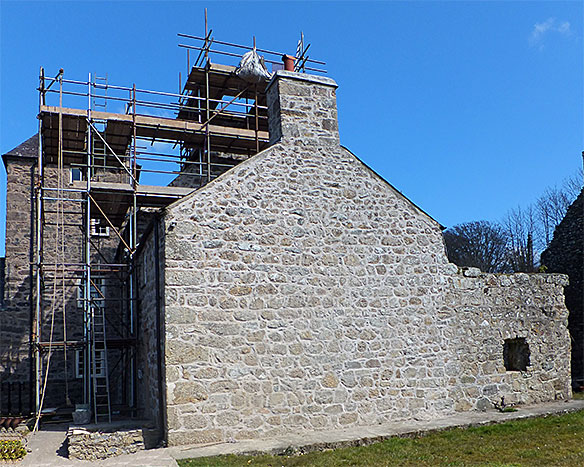 Plas Berw: lime mortar re-pointing of gable end